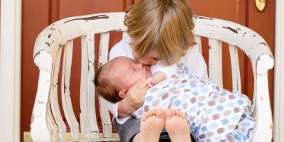 Niño_con_Bebé_fundación_auténticos